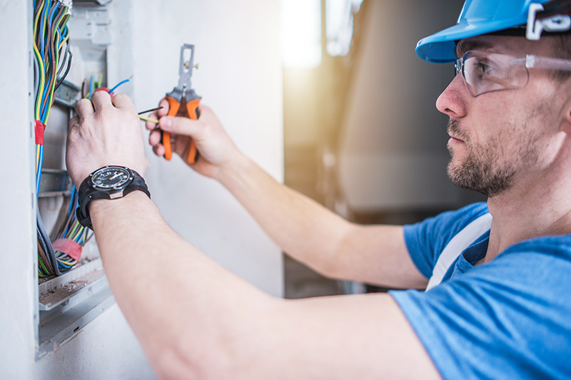 Electrician Qualifications in UK United Kingdom